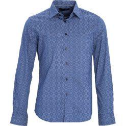 Niebieska Koszula Discharge. Czarne koszule męskie marki Born2be, m, z nadrukiem, z dresówki, z kapturem. Za 79,99 zł.