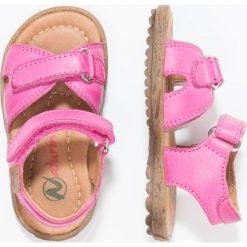 Naturino SUN  Sandały fuxia. Czerwone sandały chłopięce Naturino, z materiału, z otwartym noskiem. W wyprzedaży za 179,40 zł.