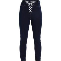 Missguided Petite LACE UP Jeans Skinny Fit indigo. Niebieskie jeansy damskie Missguided Petite, petite. W wyprzedaży za 141,75 zł.