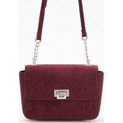 Torebka z imitacji zamszu - Bordowy. Czerwone torebki klasyczne damskie Reserved. Za 79,99 zł.