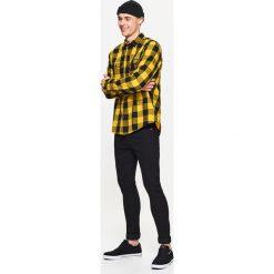 Koszula w kratę - Żółty. Czerwone koszule męskie marki Cropp, l. Za 49,99 zł.