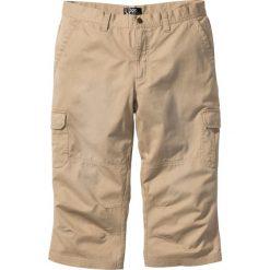 Spodnie bojówki 3/4 bonprix beżowy. Brązowe bojówki męskie bonprix. Za 89,99 zł.