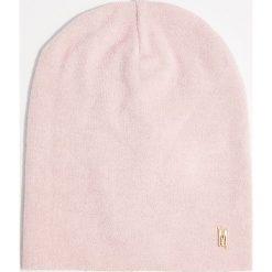 Czapka - Różowy. Czerwone czapki damskie Mohito. Za 29,99 zł.