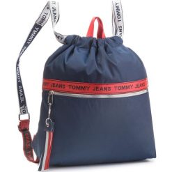 Plecak TOMMY JEANS - Tj Logo Tape Drawstr AU0AU00245 901. Niebieskie plecaki męskie Tommy Jeans, z jeansu, sportowe. Za 349,00 zł.