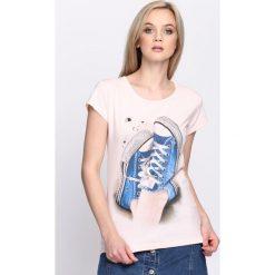 Różowy T-shirt Plimsoll. Czerwone bluzki damskie marki Born2be, l. Za 14,99 zł.