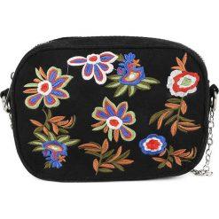 Torebki i plecaki damskie: Kosmetyczka w kolorze czarnym ze wzorem – 19 x 14 x 6 cm