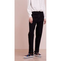 CLOSED PEDAL PUSHER Jeansy Relaxed Fit black. Czarne jeansy damskie relaxed fit CLOSED. Za 709,00 zł.