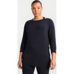 YOGA CURVES Bluzka z długim rękawem midnight blue. Niebieskie bluzki longsleeves YOGA CURVES, z elastanu, sportowe. Za 199,00 zł.