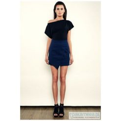 Street Style - Kimonowy Top - czarny. Czarne topy damskie Pakamera, z elastanu, z asymetrycznym kołnierzem. Za 159,00 zł.