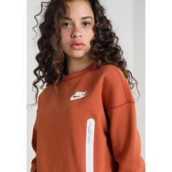Nike Sportswear CREW Bluza dark russet/white. Brązowe bluzy damskie Nike Sportswear, s, z bawełny. Za 359,00 zł.