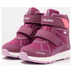 Viking VALHEST GTX  Śniegowce plum/coral. Fioletowe buty zimowe damskie marki Viking, z materiału. W wyprzedaży za 254,25 zł.