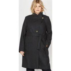Płaszcze damskie pastelowe: Płaszcz do kolan 60 % wełny
