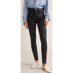 Mango - Jeansy Soho. Czarne jeansy damskie Mango, z bawełny, z podwyższonym stanem. W wyprzedaży za 97,93 zł.