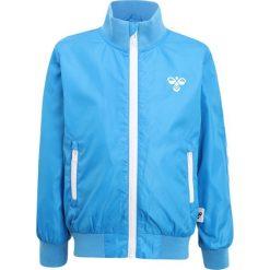 Hummel HANSEN JACKET Kurtka wiosenna blithe. Niebieskie kurtki chłopięce marki Hummel, z materiału. Za 299,00 zł.