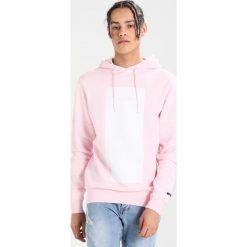 Bejsbolówki męskie: Cayler & Sons TRES SLICK HOODY Bluza z kapturem pale pink/white