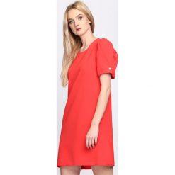 Czerwona Sukienka Thunderbird. Czerwone sukienki letnie marki Born2be, s, mini. Za 79,99 zł.