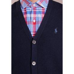 Polo Ralph Lauren Kardigan navy heather. Niebieskie kardigany męskie Polo Ralph Lauren, m, z bawełny, polo. Za 719,00 zł.