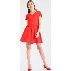 Odzież damska: Armani Exchange Sukienka koktajlowa poppy red