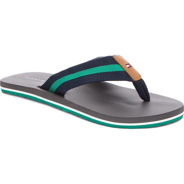9934ed3aa9ced Japonki TOMMY HILFIGER - Beach Sandal With Stripes FM0FM01597 Steel Grey  039 - Szare klapki męskie TOMMY HILFIGER, ze skóry, bez zapięcia.