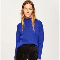 Sweter ze stójką - Niebieski. Niebieskie swetry klasyczne damskie Reserved, l, ze stójką. Za 69,99 zł.