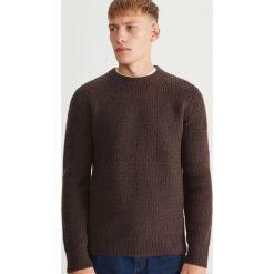 Sweter - Bordowy. Czerwone swetry klasyczne męskie Reserved, l. Za 159,99 zł.
