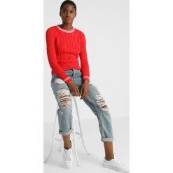 Calvin Klein Jeans CONTRAST NECK CABLE Sweter tomato. Czerwone swetry klasyczne damskie Calvin Klein Jeans, l, z bawełny. Za 449,00 zł.