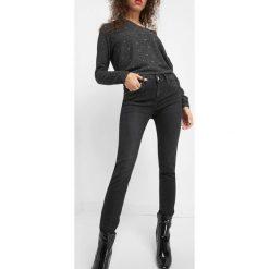 Dopasowane jeansy. Brązowe jeansy damskie marki Orsay, s, z dzianiny. Za 99,99 zł.
