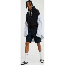 Champion Reverse Weave HOODED Bluza z kapturem black. Czarne bluzy męskie rozpinane Champion Reverse Weave, m, z bawełny, z kapturem. Za 419,00 zł.