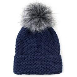 Czapka damska Gratka z pomponem granatowa. Niebieskie czapki zimowe damskie marki Art of Polo. Za 47,34 zł.