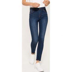 Jeansy skinny - Granatowy. Niebieskie boyfriendy damskie House, z jeansu. Za 99,99 zł.