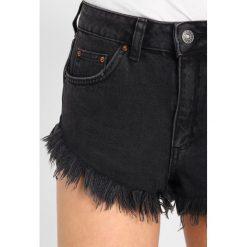 Bermudy damskie: Topshop FRAY HEM KIRI  Szorty jeansowe black denim