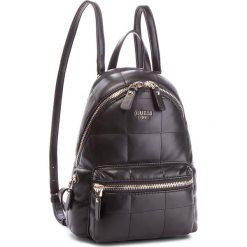 Plecak GUESS - HWBQ71 09310 BLA. Czarne plecaki damskie Guess, ze skóry ekologicznej, klasyczne. Za 559,00 zł.