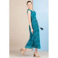 Sukienki: Plisowana sukienka maxi
