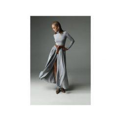 Sukienka Storm - szara. Szare sukienki dzianinowe marki Madnezz, xl, z aplikacjami, z golfem, dopasowane. Za 369,00 zł.