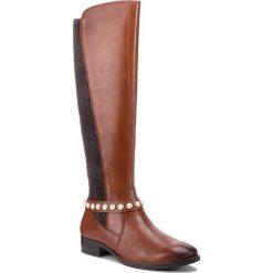 Oficerki CAPRICE - 9-25509-21 Cognac Nappa 303. Brązowe buty zimowe damskie Caprice, z materiału, na obcasie. W wyprzedaży za 379,00 zł.