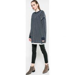 Noisy May - Sweter. Szare swetry klasyczne damskie marki Noisy May, l, z bawełny, z okrągłym kołnierzem. W wyprzedaży za 99,90 zł.