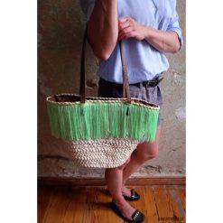 Torebki klasyczne damskie: Koszyk z trawy morskiej z zielonymi frędzlami