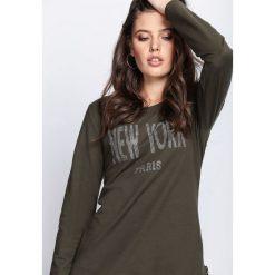 Ciemnozielona Bluzka Share With You. Szare bluzki asymetryczne Born2be, m, z aplikacjami, z okrągłym kołnierzem, z długim rękawem. Za 49,99 zł.