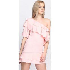 Jasnoróżowa Sukienka Whatever. Różowe sukienki letnie marki numoco, l, z dekoltem w łódkę, oversize. Za 64,99 zł.