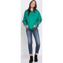 Bluzy damskie: Zielona Bluza In Words