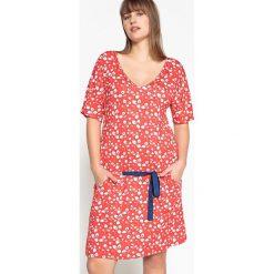Sukienki dzianinowe: Prosta, gładka, krótka sukienka z krótkim rękawem