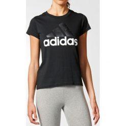 T-shirt z okrągłym dekoltem i krótkim rękawem. Szare t-shirty męskie marki adidas Performance, l, z bawełny, z okrągłym kołnierzem. Za 125,96 zł.
