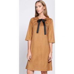 Sukienki: Camelowa Sukienka Souvenirs