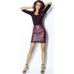 Odzież damska: Mini Spódnica z Eco-skóry z Koronkową Wypustką - Bordowa
