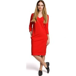 NAIARA Sukienka pudełkowa z dekoltem w serek - czerwona. Czerwone sukienki dzianinowe Moe, na co dzień, wizytowe, z dekoltem w serek, proste. Za 139,99 zł.