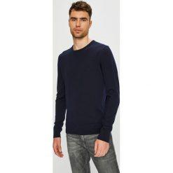 Calvin Klein - Sweter. Czarne swetry klasyczne męskie marki Calvin Klein, l, z dzianiny, z okrągłym kołnierzem. Za 449,90 zł.