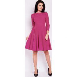 Sukienki: Różowa Sukienka Elegancka Rozkloszowana z Zakładkami przy Dekolcie