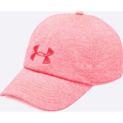 Under Armour - Czapka. Różowe czapki z daszkiem damskie Under Armour, z elastanu. Za 89,90 zł.