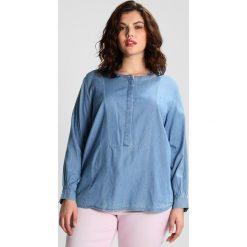 Bluzki asymetryczne: Levi's® Plus PL SANDY POPOVER Bluzka medium authentic
