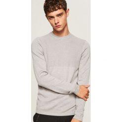 Sweter ze ściągaczową górą - Jasny szar. Szare swetry klasyczne męskie marki Reserved, l. W wyprzedaży za 59,99 zł.